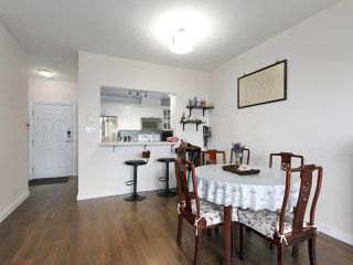 """Photo 8: 1004 6838 STATION HILL Drive in Burnaby: South Slope Condo for sale in """"Belgravia"""" (Burnaby South)  : MLS®# R2491540"""