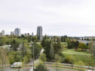 """Photo 18: 1004 6838 STATION HILL Drive in Burnaby: South Slope Condo for sale in """"Belgravia"""" (Burnaby South)  : MLS®# R2491540"""
