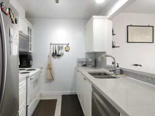 """Photo 10: 1004 6838 STATION HILL Drive in Burnaby: South Slope Condo for sale in """"Belgravia"""" (Burnaby South)  : MLS®# R2491540"""