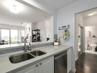 """Photo 11: 1004 6838 STATION HILL Drive in Burnaby: South Slope Condo for sale in """"Belgravia"""" (Burnaby South)  : MLS®# R2491540"""