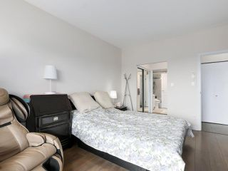 """Photo 14: 1004 6838 STATION HILL Drive in Burnaby: South Slope Condo for sale in """"Belgravia"""" (Burnaby South)  : MLS®# R2491540"""