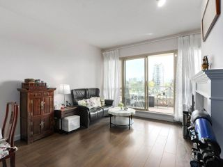 """Photo 3: 1004 6838 STATION HILL Drive in Burnaby: South Slope Condo for sale in """"Belgravia"""" (Burnaby South)  : MLS®# R2491540"""