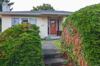Photo 2: 2116 Cook St in : Vi Central Park House for sale (Victoria)  : MLS®# 856975
