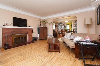 Photo 5: 2116 Cook St in : Vi Central Park House for sale (Victoria)  : MLS®# 856975