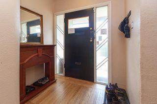 Photo 4: 2116 Cook St in : Vi Central Park House for sale (Victoria)  : MLS®# 856975