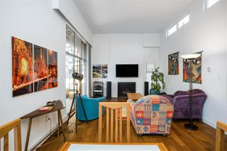 "Photo 2: PH3 1435 NELSON Street in Vancouver: West End VW Condo for sale in ""The Westport"" (Vancouver West)  : MLS®# R2510258"