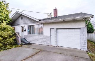 Photo 2: 6092 LADNER TRUNK Road in Delta: Holly House for sale (Ladner)  : MLS®# R2521625