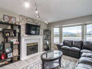 Photo 5: 22830 ABERNETHY Lane in Maple Ridge: East Central House for sale : MLS®# R2523314