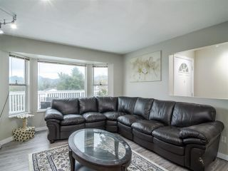 Photo 4: 22830 ABERNETHY Lane in Maple Ridge: East Central House for sale : MLS®# R2523314