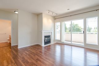 Photo 4: 209 21975 49 Avenue in Langley: Murrayville Condo for sale : MLS®# r2390189
