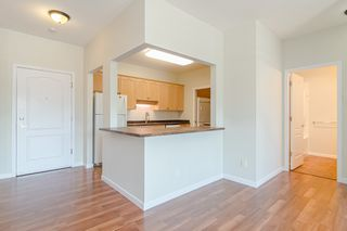 Photo 6: 209 21975 49 Avenue in Langley: Murrayville Condo for sale : MLS®# r2390189