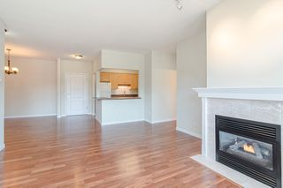 Photo 5: 209 21975 49 Avenue in Langley: Murrayville Condo for sale : MLS®# r2390189