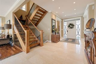 Photo 2: 13827 101 Avenue in Edmonton: Zone 11 House for sale : MLS®# E4169858