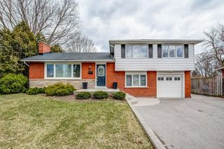 Main Photo: 4135 LORRAINE Crescent in Burlington: Residential for sale : MLS®# H4074865