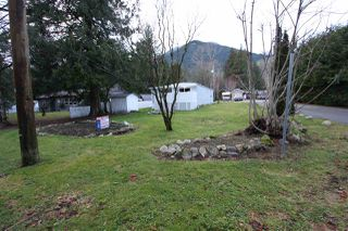 "Photo 2: 7 41495 N NICOMEN Road in Mission: Mission BC Manufactured Home for sale in ""LAKAHAHMEN MOBILE HOME PARK"" : MLS®# R2446845"