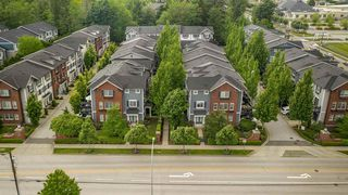 "Photo 18: 19 8767 162 Street in Surrey: Fleetwood Tynehead Townhouse for sale in ""Taylor"" : MLS®# R2460705"