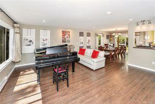 Photo 4: 618 Fernhill Pl in : Es Saxe Point Single Family Detached for sale (Esquimalt)  : MLS®# 845631