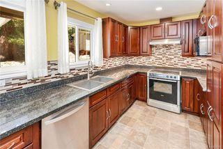 Photo 2: 618 Fernhill Pl in : Es Saxe Point Single Family Detached for sale (Esquimalt)  : MLS®# 845631