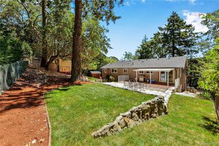 Photo 25: 618 Fernhill Pl in : Es Saxe Point Single Family Detached for sale (Esquimalt)  : MLS®# 845631