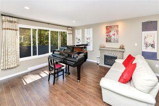 Photo 3: 618 Fernhill Pl in : Es Saxe Point Single Family Detached for sale (Esquimalt)  : MLS®# 845631