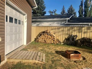 Photo 3: 826 Hastings Place in Estevan: Centennial Park Residential for sale : MLS®# SK826905