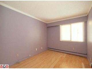 Photo 8: 109 1381 MARTIN Street: White Rock Home for sale ()  : MLS®# F1120082