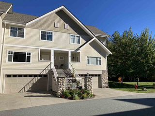 Main Photo: 21 1200 EDGEWATER Drive in Squamish: Northyards Townhouse for sale : MLS®# R2514727