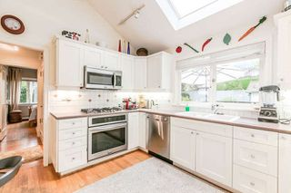 Photo 2: 2423 LAWSON Avenue in West Vancouver: Dundarave House for sale : MLS®# R2519485