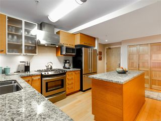 Photo 3: 610 38 Front St in : Na Old City Condo for sale (Nanaimo)  : MLS®# 862713