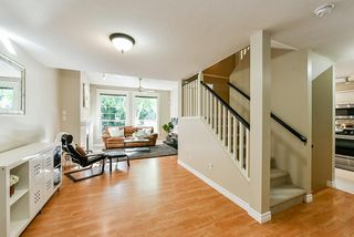 "Photo 3: 34 8675 WALNUT GROVE Drive in Langley: Walnut Grove Townhouse for sale in ""CEDAR CREEK"" : MLS®# R2395322"