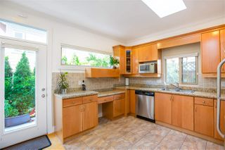 Photo 6: 256 W 17TH Street in North Vancouver: Central Lonsdale House for sale : MLS®# R2396645