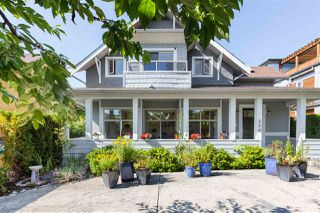 Main Photo: 256 W 17TH Street in North Vancouver: Central Lonsdale House for sale : MLS®# R2396645