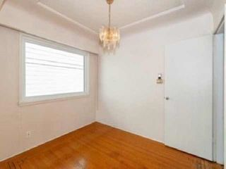 Photo 5: 3537 DUNDAS Street in Vancouver: Hastings House for sale (Vancouver East)  : MLS®# R2409470