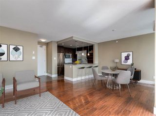 """Photo 4: 1105 2959 GLEN Drive in Coquitlam: North Coquitlam Condo for sale in """"THE PARC"""" : MLS®# R2454083"""