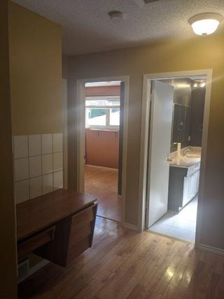 Photo 6: 32 Flagstone Crescent in St. Albert: House for rent
