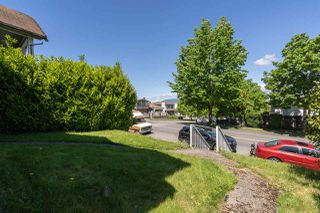 Photo 3: 1652 E 33RD Avenue in Vancouver: Knight House for sale (Vancouver East)  : MLS®# R2457804