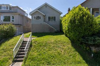 Main Photo: 1652 E 33RD Avenue in Vancouver: Knight House for sale (Vancouver East)  : MLS®# R2457804