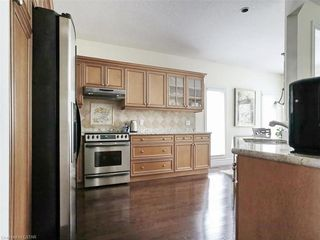 Photo 18: 97 TYNEDALE Avenue in London: North L Residential for sale (North)  : MLS®# 260878
