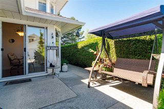 """Photo 32: 109 8737 212 Street in Langley: Walnut Grove Townhouse for sale in """"CHARTWELL GREEN"""" : MLS®# R2487991"""