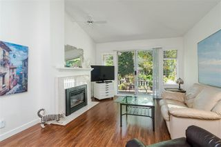 """Photo 4: 109 8737 212 Street in Langley: Walnut Grove Townhouse for sale in """"CHARTWELL GREEN"""" : MLS®# R2487991"""