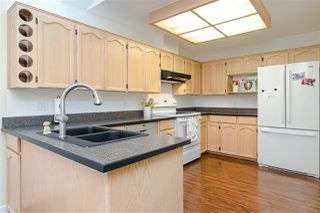 """Photo 8: 109 8737 212 Street in Langley: Walnut Grove Townhouse for sale in """"CHARTWELL GREEN"""" : MLS®# R2487991"""