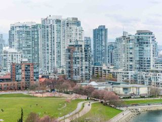 "Photo 3: 1801 1515 HOMER Mews in Vancouver: Yaletown Condo for sale in ""KINGS LANDING"" (Vancouver West)  : MLS®# R2521123"
