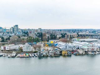 "Photo 2: 1801 1515 HOMER Mews in Vancouver: Yaletown Condo for sale in ""KINGS LANDING"" (Vancouver West)  : MLS®# R2521123"