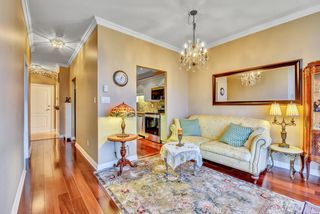 """Photo 19: 1802 6838 STATION HILL Drive in Burnaby: South Slope Condo for sale in """"BELGRAVIA"""" (Burnaby South)  : MLS®# R2527624"""