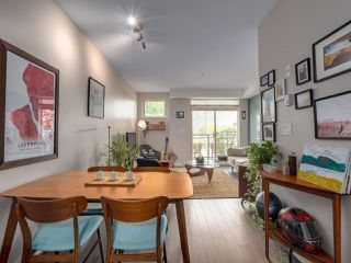 "Photo 10: 309 707 E 20TH Avenue in Vancouver: Fraser VE Condo for sale in ""BLOSSOM"" (Vancouver East)  : MLS®# R2404449"