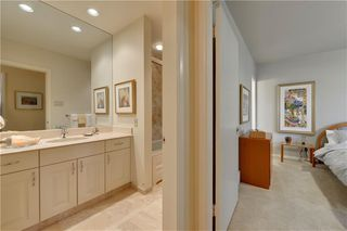 Photo 19: 2336 LONGRIDGE Drive SW in Calgary: North Glenmore Park Detached for sale : MLS®# C4272133