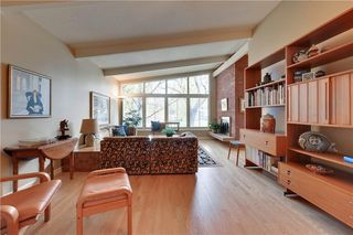 Photo 3: 2336 LONGRIDGE Drive SW in Calgary: North Glenmore Park Detached for sale : MLS®# C4272133