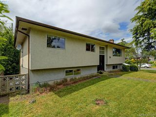 Photo 26: 1703 Sprucewood Pl in VICTORIA: SE Lambrick Park House for sale (Saanich East)  : MLS®# 841573