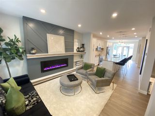 Photo 2: 9111 65 Avenue in Edmonton: Zone 17 House for sale : MLS®# E4221417
