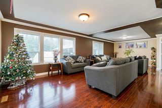 Photo 2: 18903 40 Avenue in Surrey: Serpentine House for sale (Cloverdale)  : MLS®# R2520424